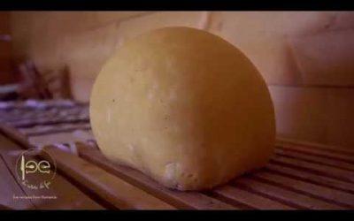Brânză în coajă de molid