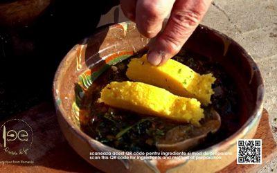 Mâncare de spanac cu sos de roșii